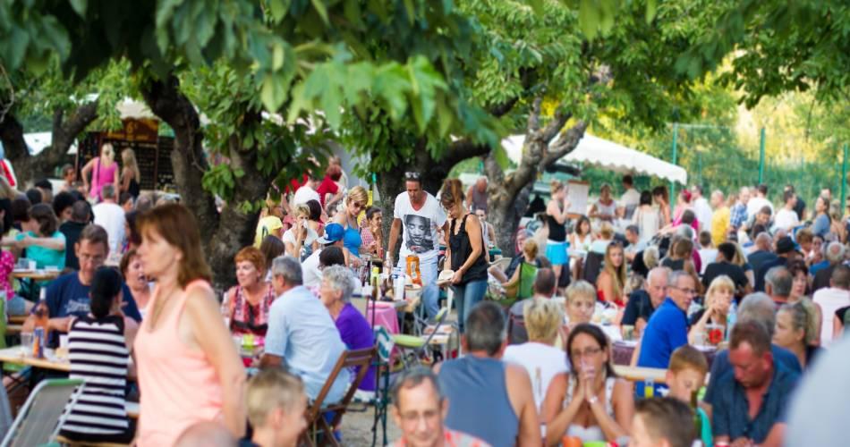Cadenet Bauernmarkt@Droits Gérés Vincent Agnès