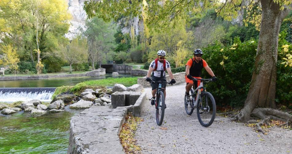 Grande traversée du Vaucluse en VTT - Etape 6 - De Fontaine-de-Vaucluse à Mérindol@D. Bottani - CD84