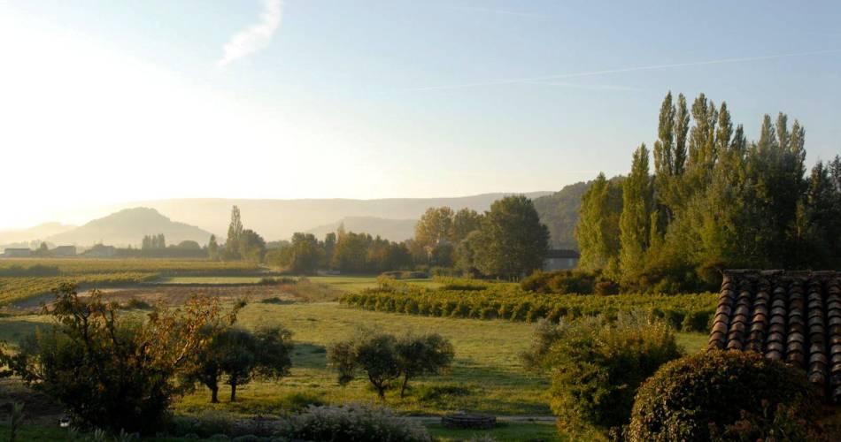 Randonnée sur le sentier viticole du Domaine La Garelle@Coll. Domaine La Garelle