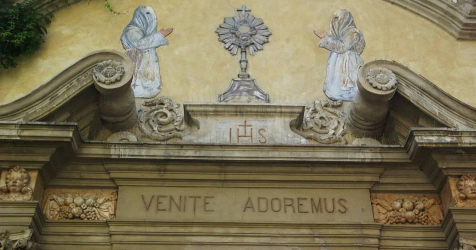 Penitents Gris Chapel@E Catoliquot