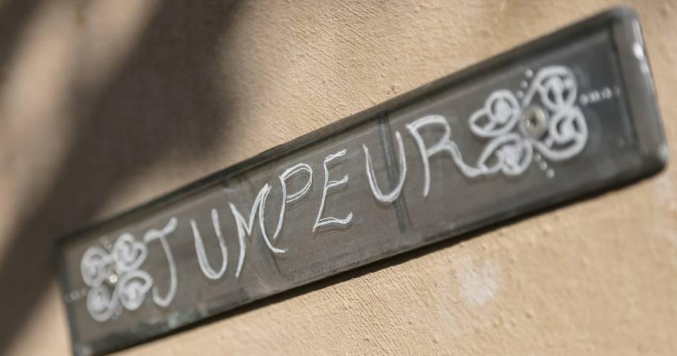 Le Château des cinq cantons - Gîte Jumper@Sandrine Chapelet