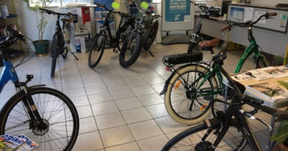 Ayme electric bike rental@©aymelocation
