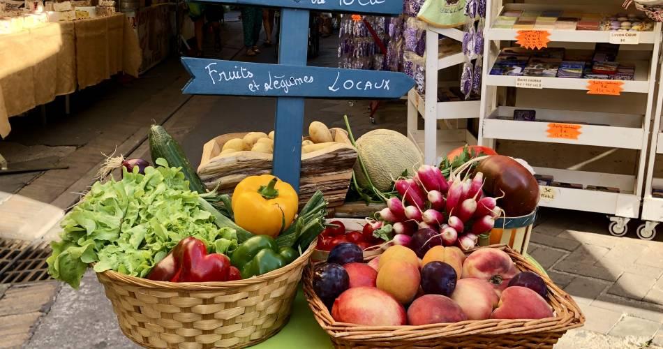 Wochenmarkt mit Auszeichnung@Isle sur la Sorgue Tourisme
