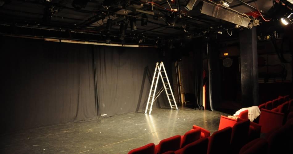 Théâtre L'Etincelle@©librededroit