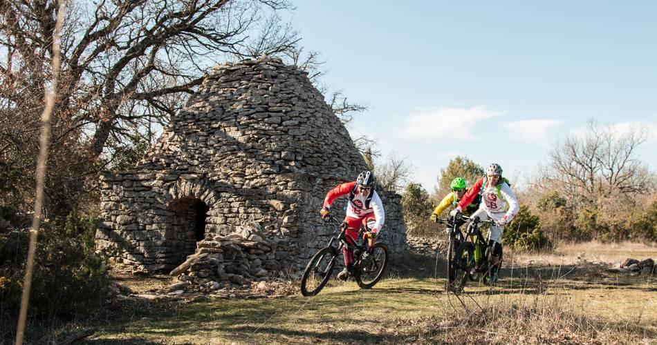 Stage 6: Vitrolles-en-Luberon/Bonnieux Traversée de Vaucluse VTT e-bike@VTTMag