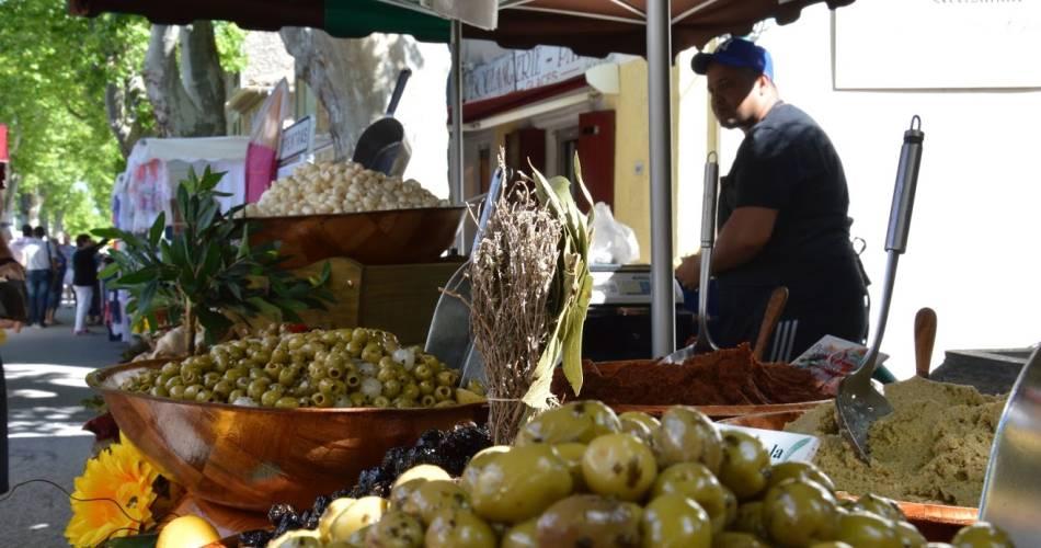 Marché provençal@OTI Ventoux Provence