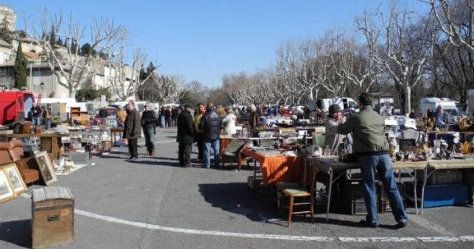 Brocante de Villeneuve lez Avignon@