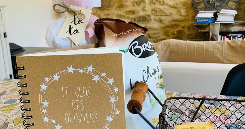 Le Clos des Oliviers - Yvonne@A.FERRE