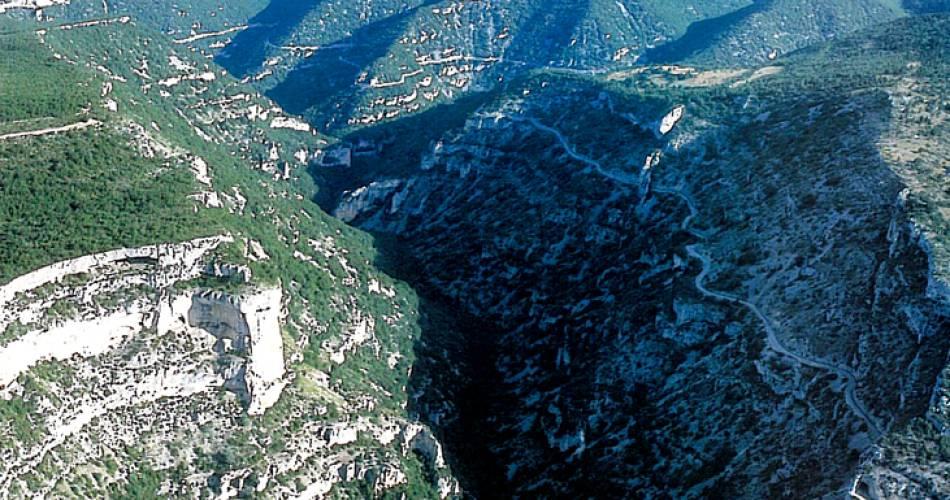 Route touristique des Gorges de la Nesque@OTI Ventoux sud
