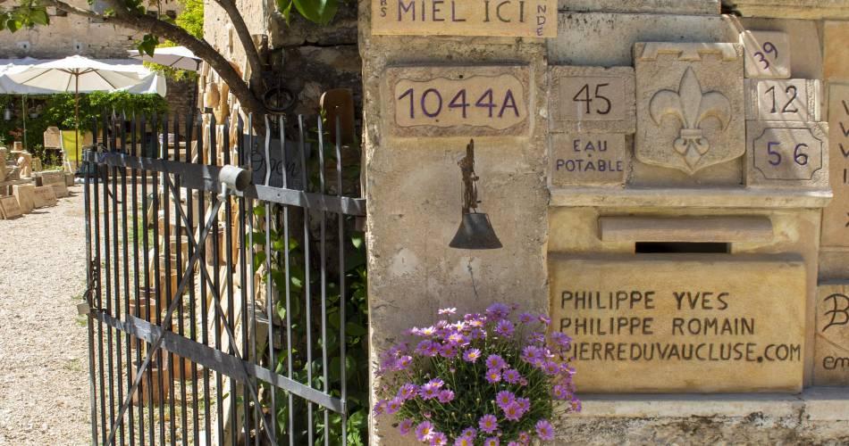 Philippe Yves - Tailleur   Graveur   Sculpteur de pierre@© Philippe Yves