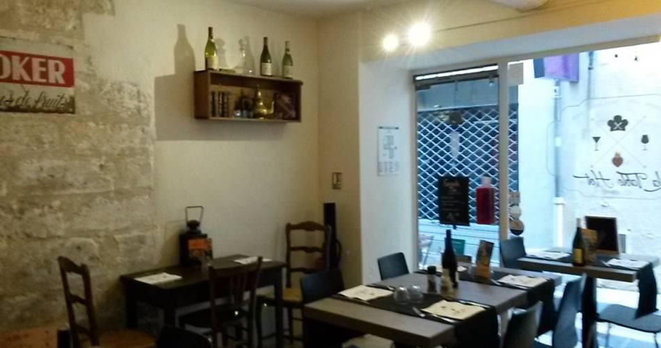 Restaurant La Table Hot - Bar à vin@©librededroits