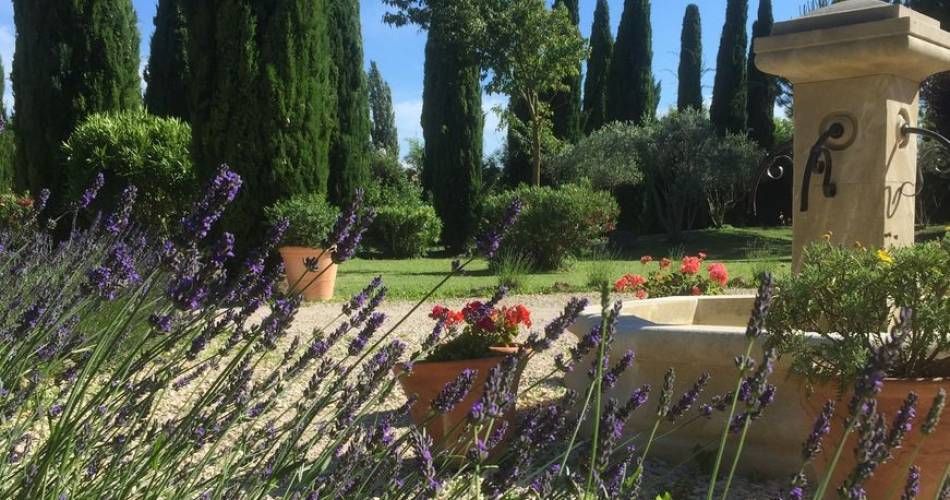 Fontaine des Magnarelles@JF BERNARD