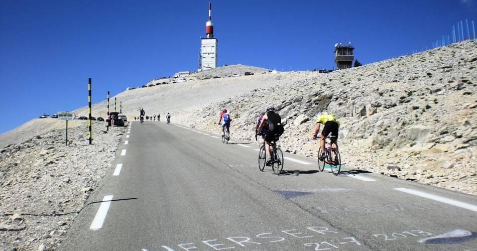 Cyclisme : Ascension du Mont-Ventoux depuis Sault@E. Aptel