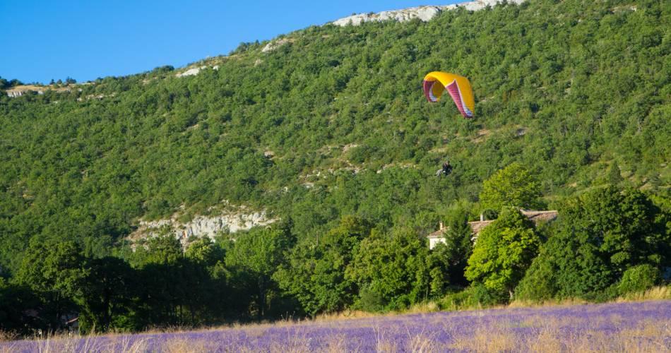 Voler au Pays des Monts d'Albion@Coll. VPA / A. Hocquel