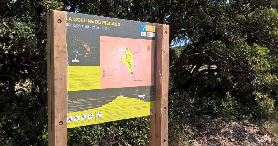 Sentier de la colline de Piécaud@Département de Vaucluse