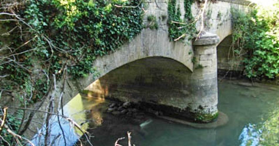 Le Pont Naquet@Mairie d'Althen