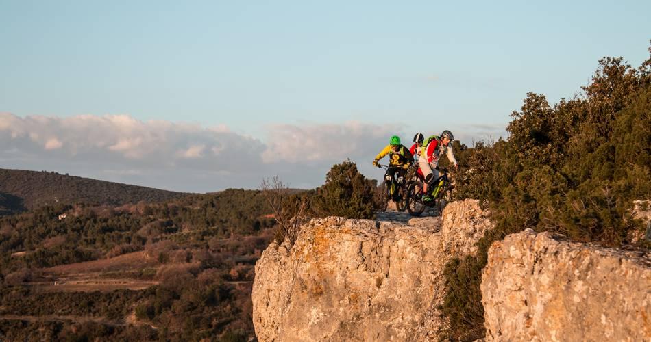 Stage 8: St Saturnin les Apt/Fontaine-de-Vaucluse Crossing Vaucluse by e-bike@VTT Mag