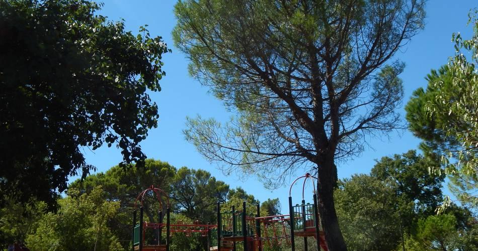Aires de jeux de la Colline St Eutrope@Morgane Robert © Office de Tourisme d'Orange