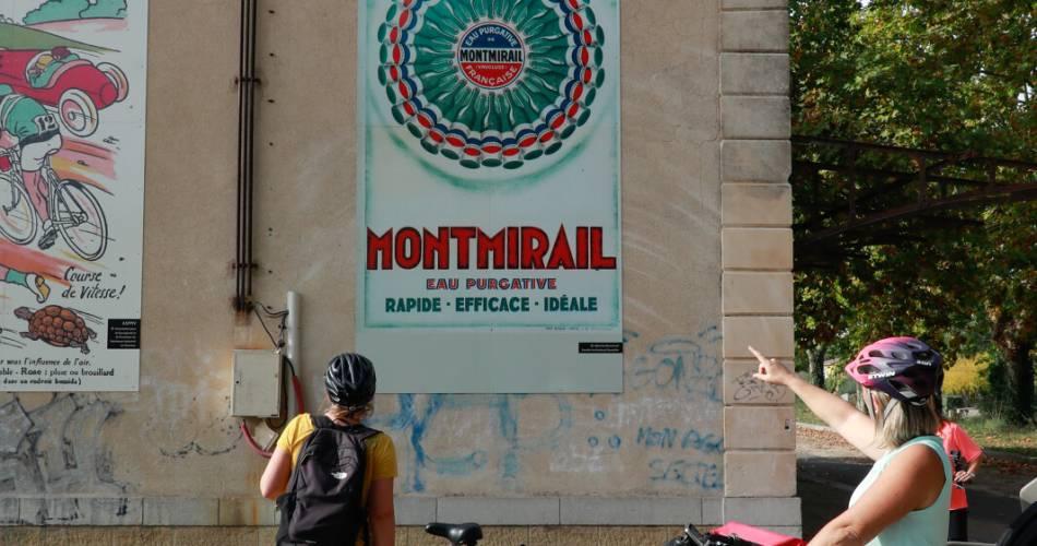 V 861 - Véloroute de la VIA VENAISSIA@Pays d'Orange Tourisme - RP
