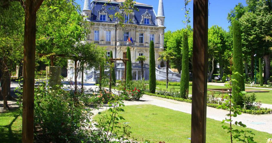 Parc et Château de Val Seille@Châteauneuf du Pape / Orange Tourisme