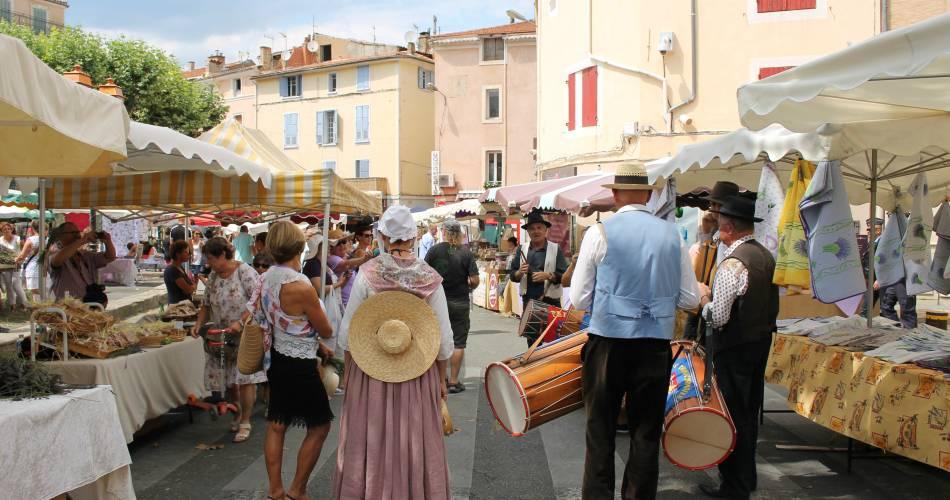 Prize-winning weekly market@Office de tourisme Pays d'Apt Luberon