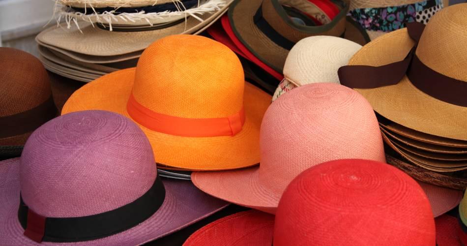 Prize-winning weekly market@Crédit photo - Office de Tourisme Pays d'Apt Luberon