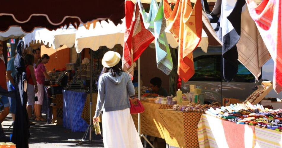 Weekly Market at Roussilon@A. Hocquel