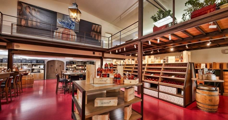 Aureto Vineyards - Cellar / Coquillade Village@Drakkar communication