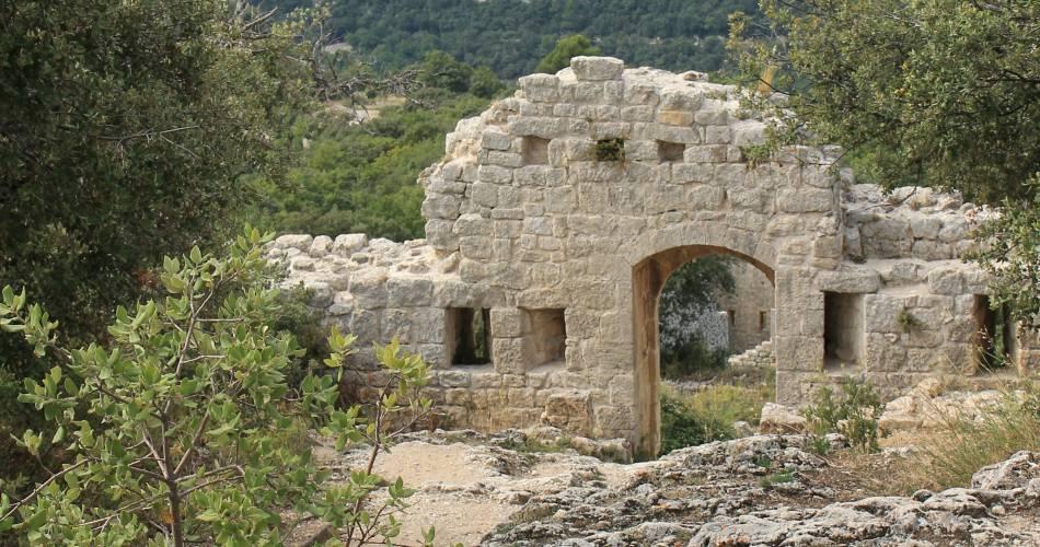 Buoux Fort@Office de tourisme Pays d'Apt Luberon